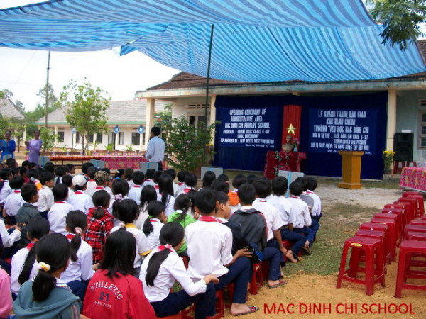 students, Mac Din Chi school